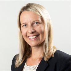 Headshot of Dr Suzanne Bartington