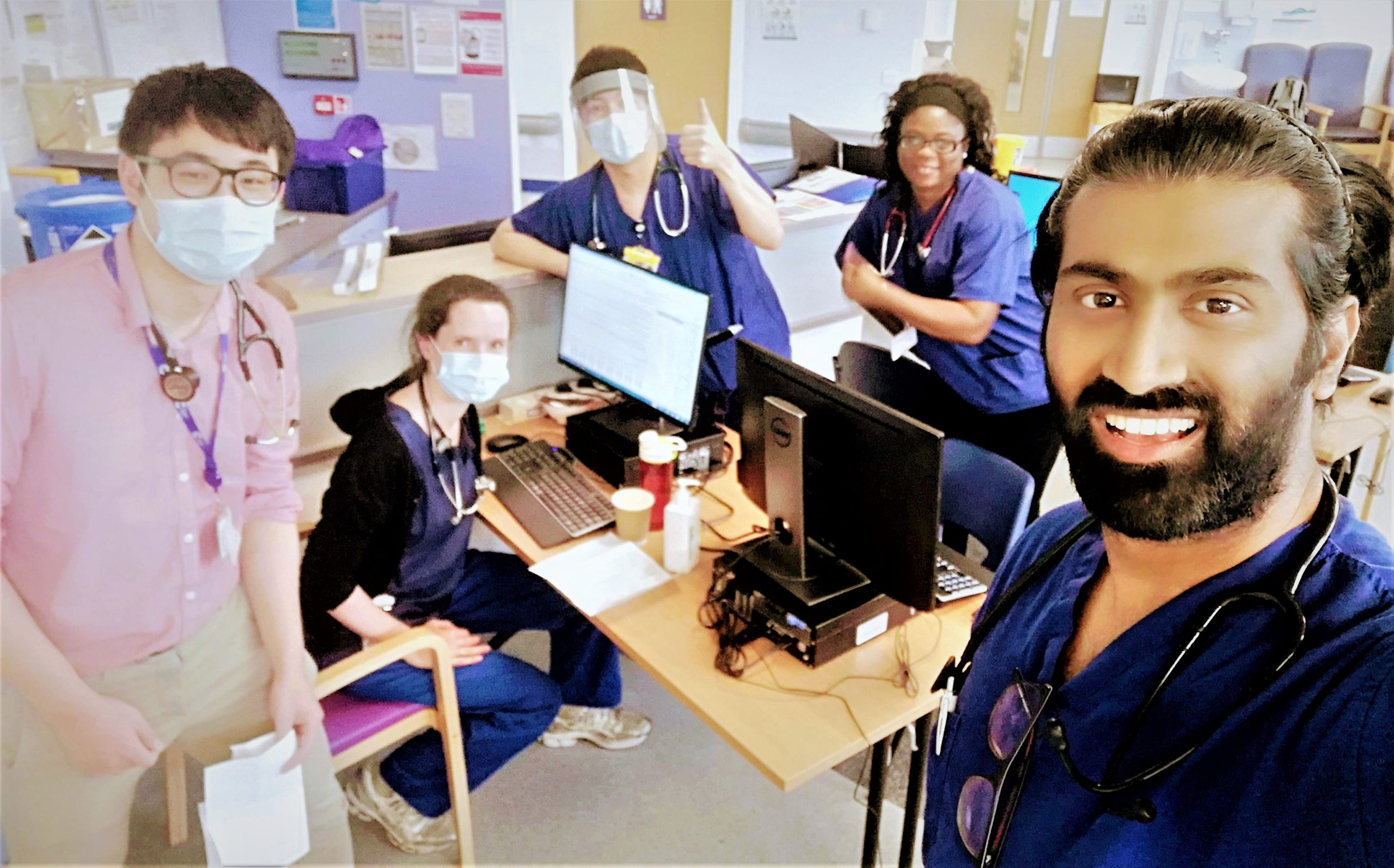 healthcare team working during covid-19